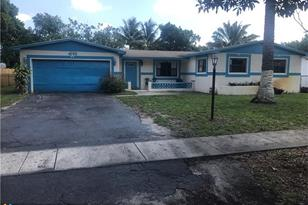 4765 NW 4th Ct - Photo 1