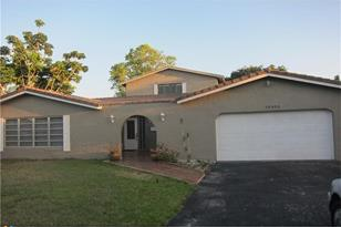 10300 NW 41st St - Photo 1