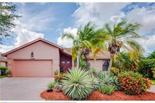 12368 NW 27th Pl - Photo 1