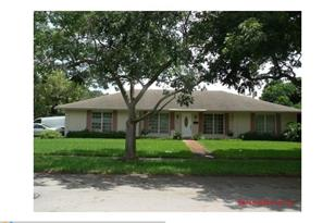 7300 NW 15th St - Photo 1