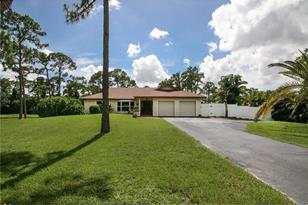 5601  Pinetree Rd - Photo 1
