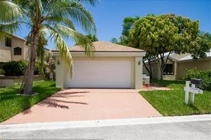 2040 NW 37th Ave - Photo 1