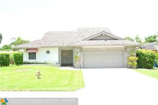 7214 NW 42nd St - Photo 1