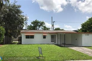 6298 NW 12th St - Photo 1