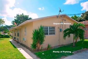 224 NW 9th Ave - Photo 1