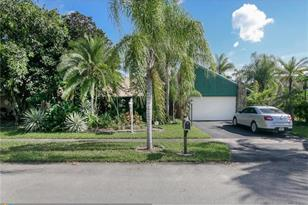 7830 NW 5th Pl - Photo 1