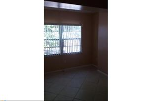 4384 NW 9th Ave, Unit #19-3D - Photo 1