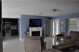 832 NW 30th Ct - Photo 1