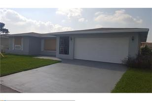 4922 NW 58th St - Photo 1