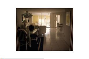 3800  Oaks Clubhouse Dr, Unit #308 - Photo 1