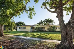 600 NW 66th Ave - Photo 1