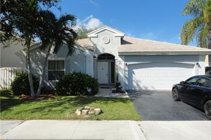 5225 NW 54th St - Photo 1