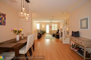 418 SW 14th Ave, Unit #418 - Photo 1