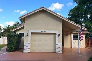 3907 NW 73rd Ter - Photo 1