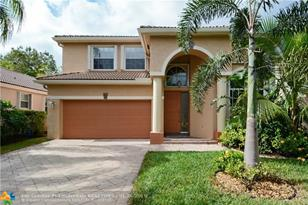 1040 NW 117th Ave - Photo 1