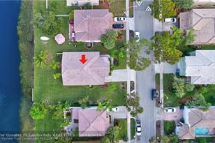 15547 NW 5th St - Photo 1