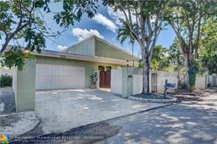 460 NW 78th Ave - Photo 1