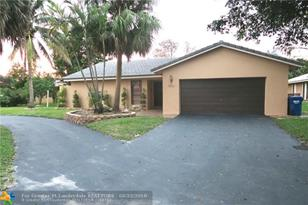 8411 NW 2nd St - Photo 1