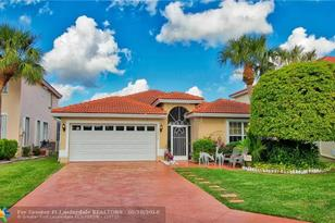 18270  Coral Chase Dr - Photo 1