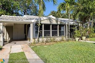 917 SW 18th Ct - Photo 1