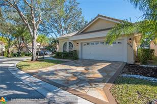 5056 NW 95th Dr - Photo 1