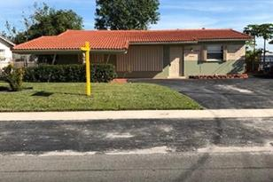 1000 NW 23rd Ter - Photo 1
