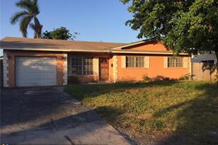 3157 NW 67th Ct - Photo 1