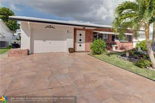 7203 NW 75th Ct - Photo 1