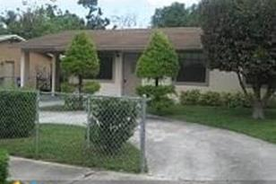 540 NW 7th Ter - Photo 1