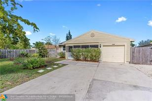 1820 SW 82nd Ter - Photo 1