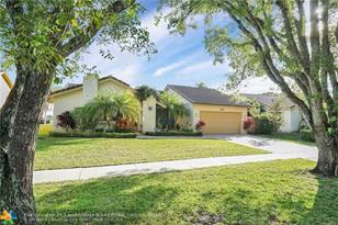 10306 NW 6th St - Photo 1