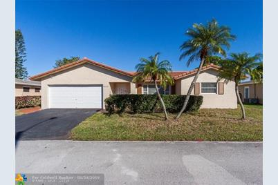 7610 NW 66th Terrace - Photo 1