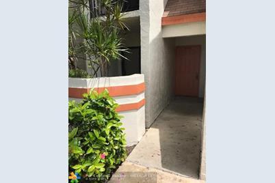 5543  Courtyard Dr, Unit #5543 - Photo 1