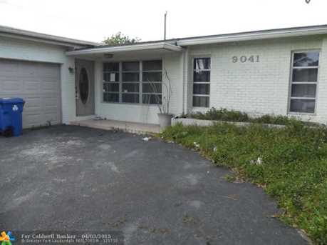 9041 NW 24th St - Photo 1