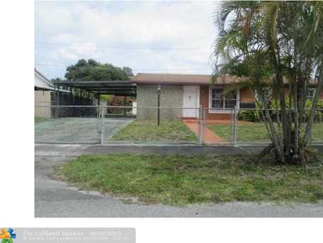 4821 NW 190th St - Photo 1