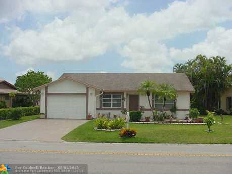 7136 NW 102nd Ave - Photo 1