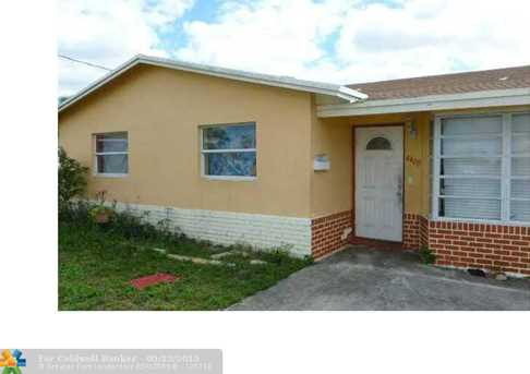 4400 NW 29th St - Photo 1