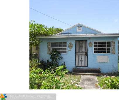 2440 NW 57th St - Photo 1
