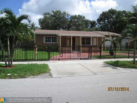 2721 NW 171st St - Photo 1