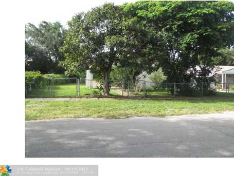 2481 NW 59th St - Photo 1