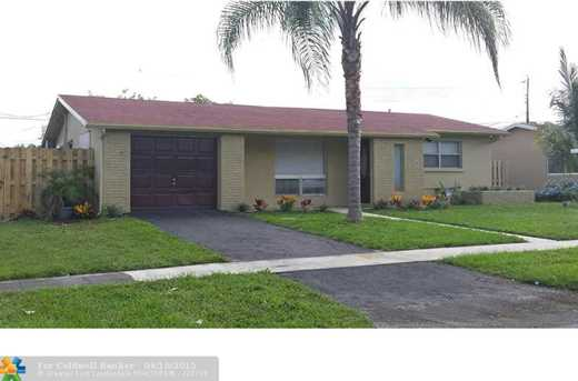 5940 NW 14th St - Photo 1