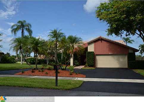 1067 NW 97th Ave - Photo 1