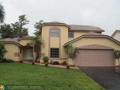 7240 NW 54th Ct - Photo 1