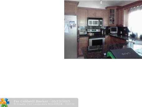 6060 NW 44th Wy - Photo 1