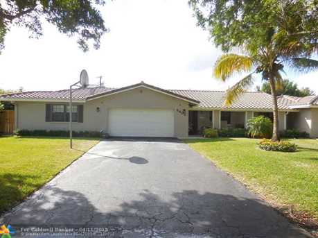 8402 NW 36th St - Photo 1