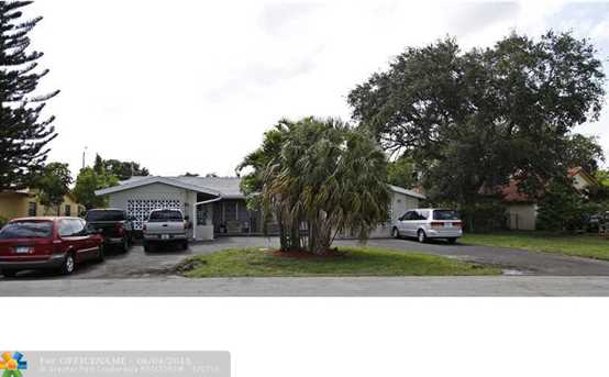 3690 80Th Ave - Photo 1