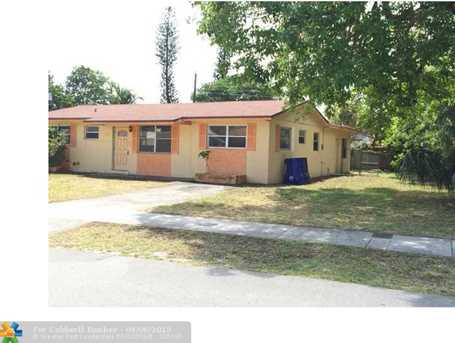 6882 SW 16th Ct - Photo 1