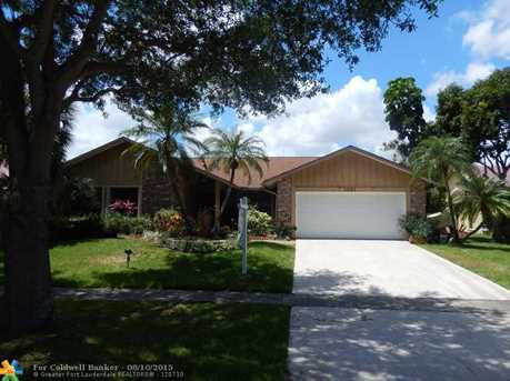 1021 NW 94th Ave - Photo 1