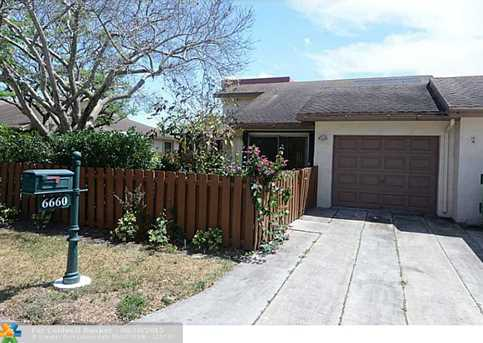 6660 NW 4th Ct - Photo 1