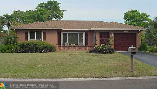 8108 NW 100th Ter - Photo 1
